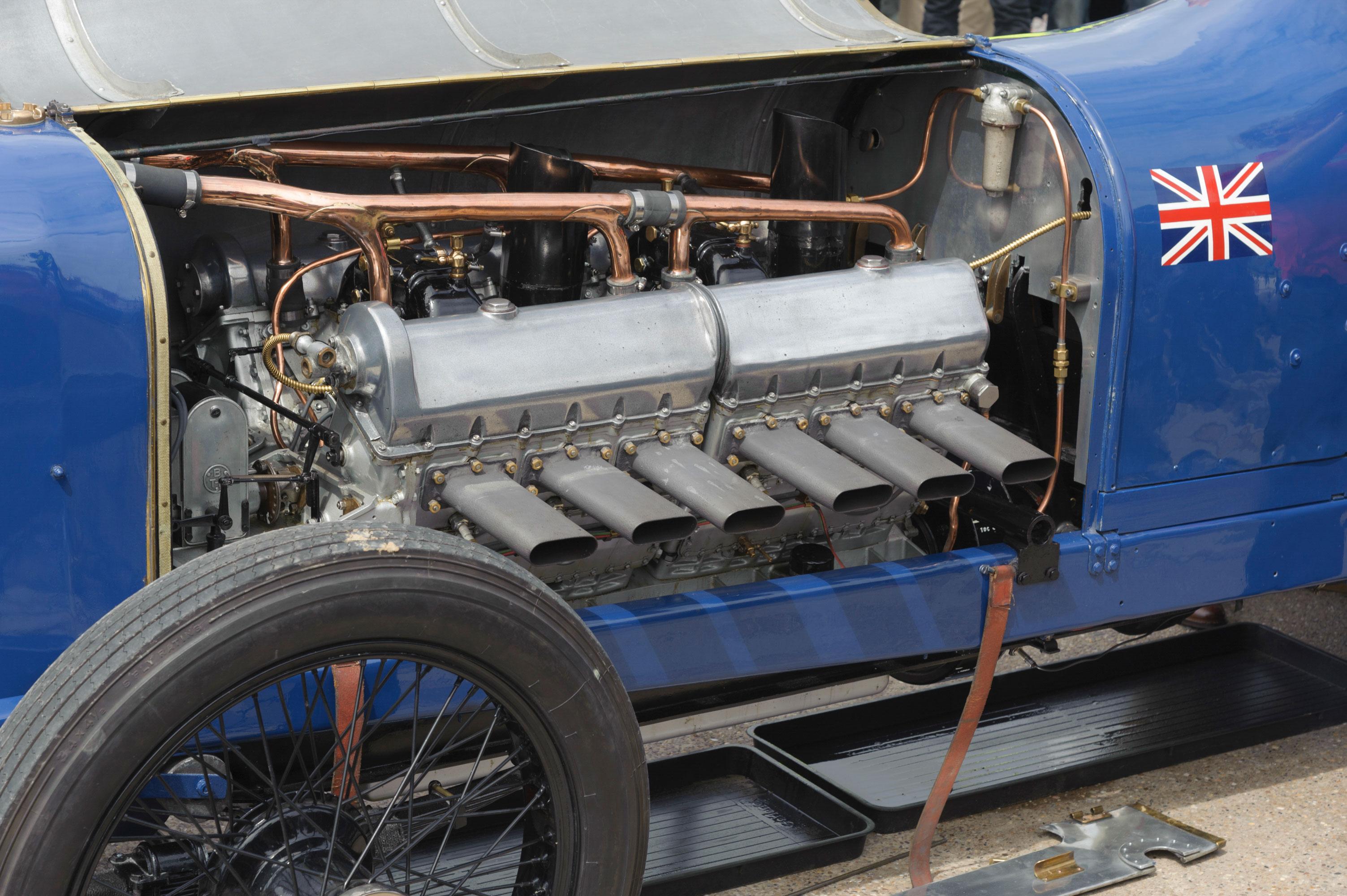 Sunbeam 350hp engine detail