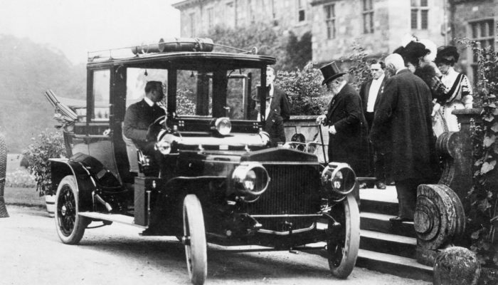 Archive image of Edward VII entering a Daimler Laundaulette, 1907