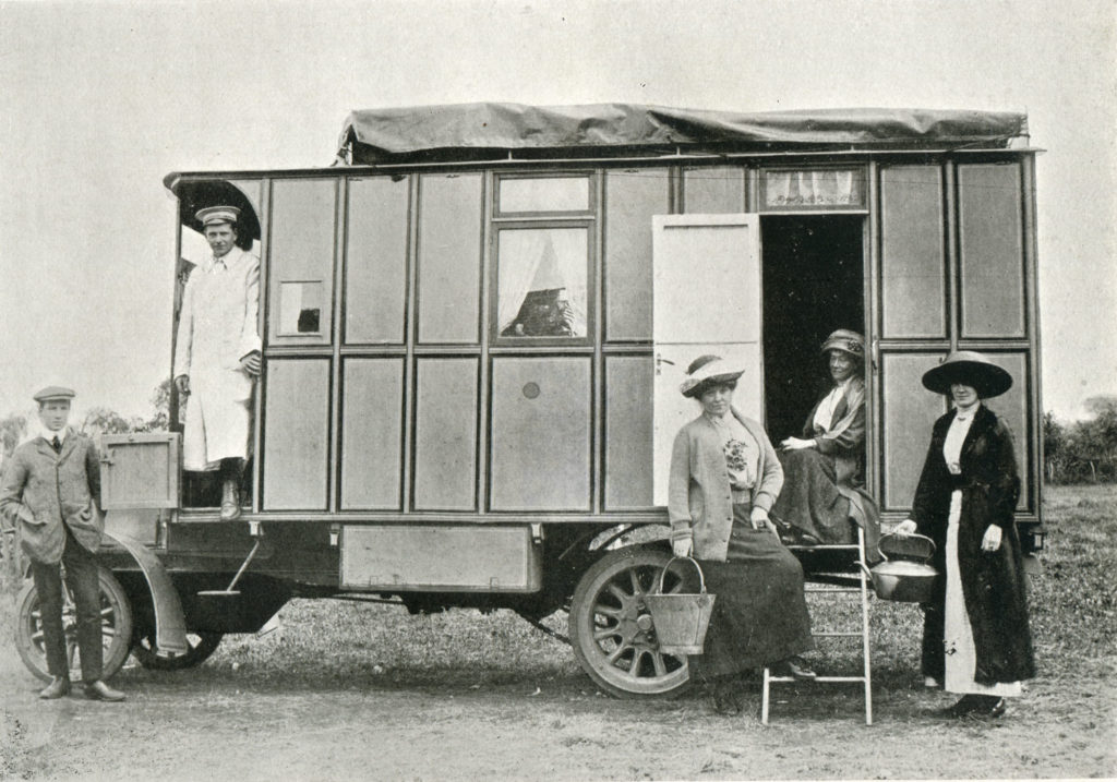Mrs Madge Paton's pioneering motor caravan 'The Tortoise'.