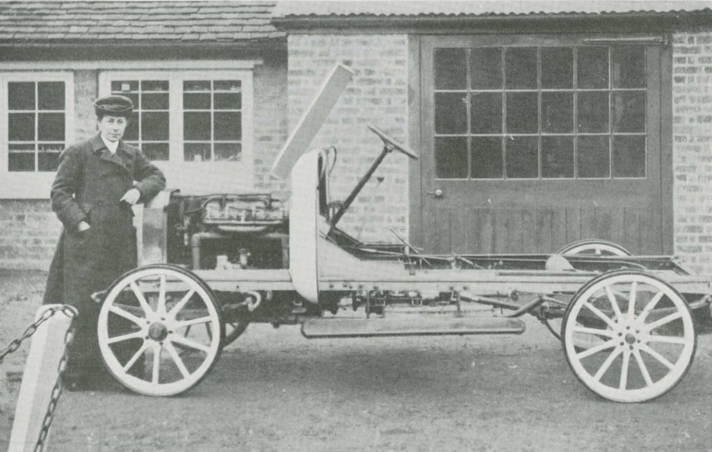 Image from the Car Illustrated of Mrs Herbert Lloyd next to her car