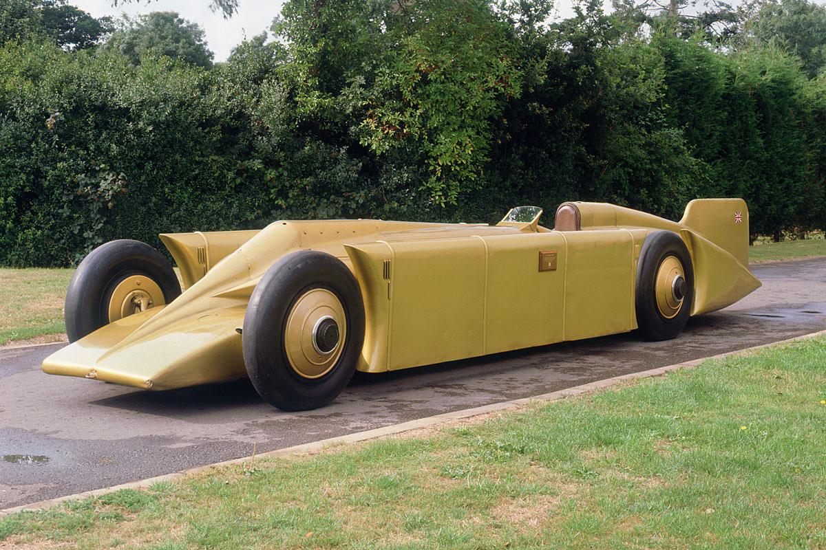 1929 Golden Arrow in grounds at Beaulieu